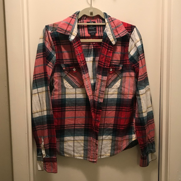 American Eagle Outfitters Tops - Red plaid flannel button down